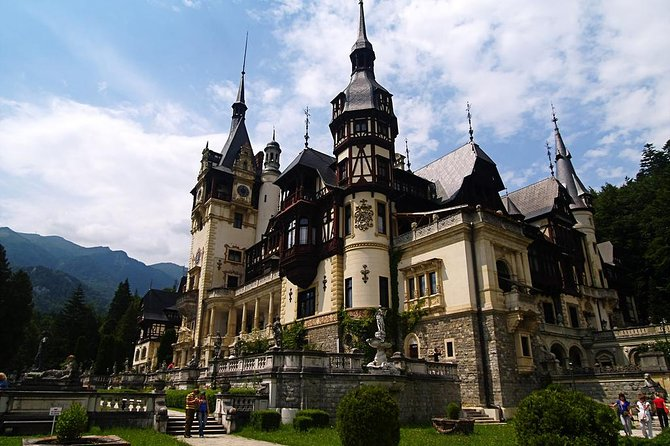 Private day tour : Peles Castle ,Bran Castle and Rasnov Fortress from Brasov
