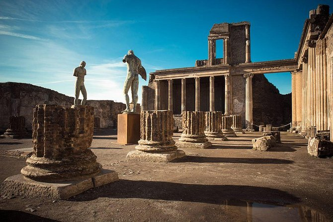 Pompeii, Herculaneum And Vesuvius - Deluxe Group Tour