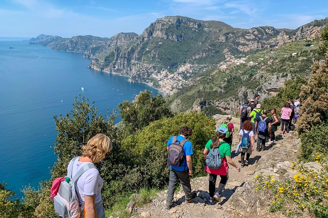 Guided tour with a local guide along the Walk of the Gods to Positano