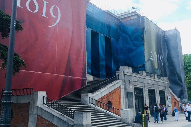 Private Guided Tour of the Prado Museum in Madrid with fast entrances and pick up at the hotel.