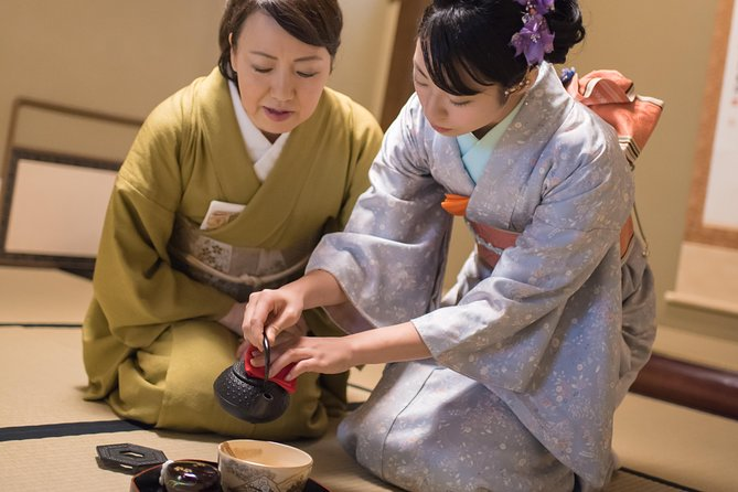 A 90 min. Tea ceremony Workshop In The Authentic Tea Room