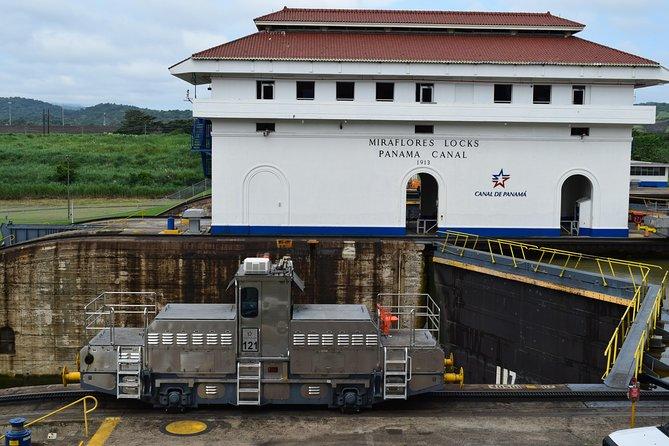 Layover Tour Panama Canal & City