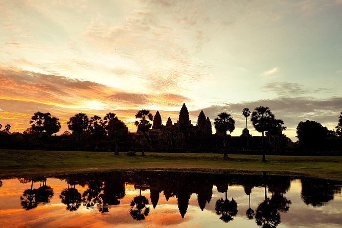 Angkor wat sunrise and Banteay Srei temple Private Day tour
