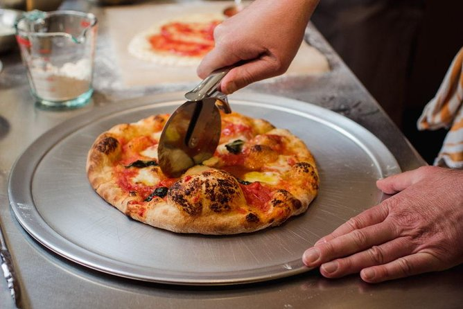 Neapolitan pizza cooking class in historic Haight Ashbury for private groups
