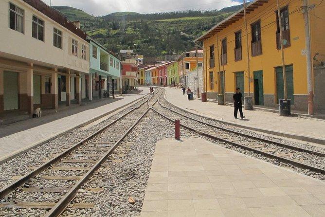 Riobamba to Alausi Transfer in Fantasy Bus