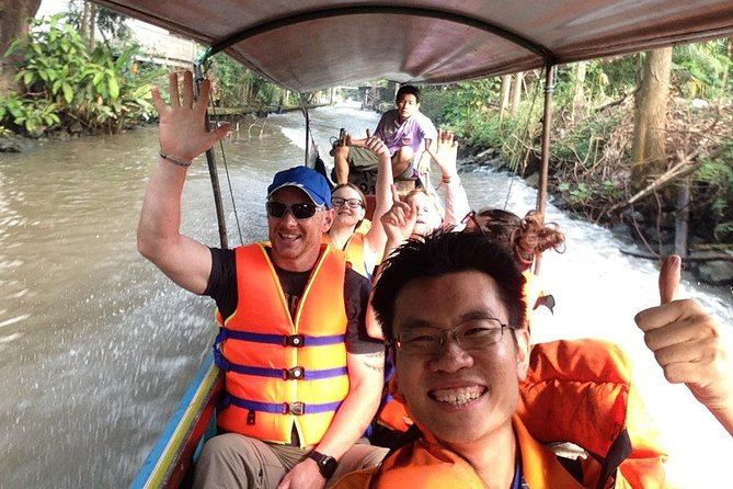 Full-Day Private Tour in Damnoen Saduak with Hotel Pick-Up