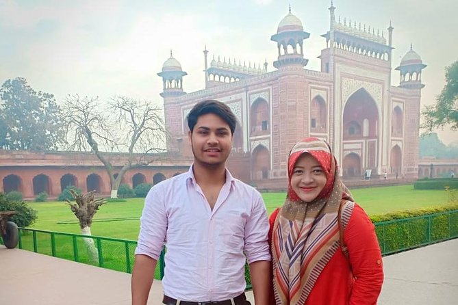 Taj Mahal-Skip-the-Line Entrance Ticket