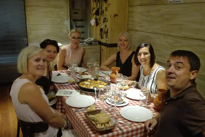 Madrid Historical Walking Tour with Food Tasting and Dinner