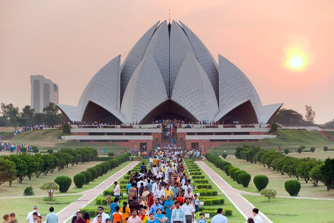 Private Old and New Delhi Tour - Best of Delhi in 8 Hours with Entrances