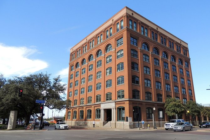 JFK Assassination Tour with JFK Museum and Oswald's Rooming House