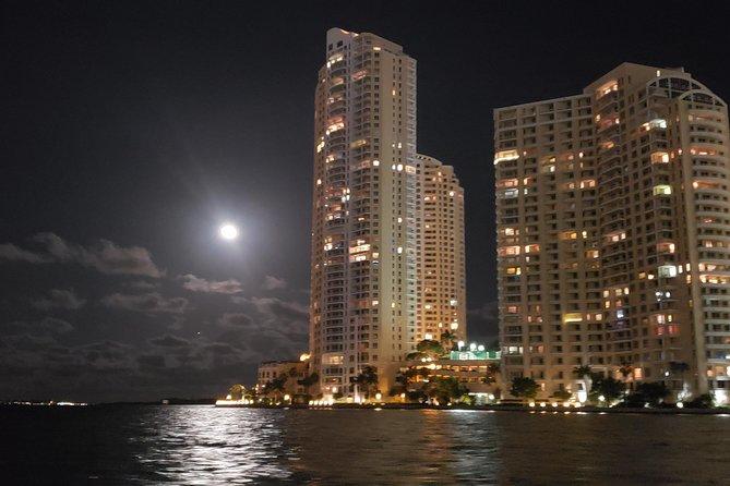 Miami Private Evening Boat Tour Including Champagne