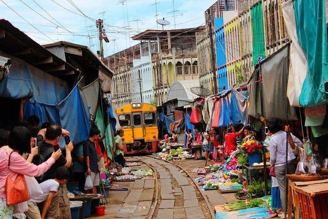 Bangkok Risky Market, Boat Riding & Amphawa Floating Market