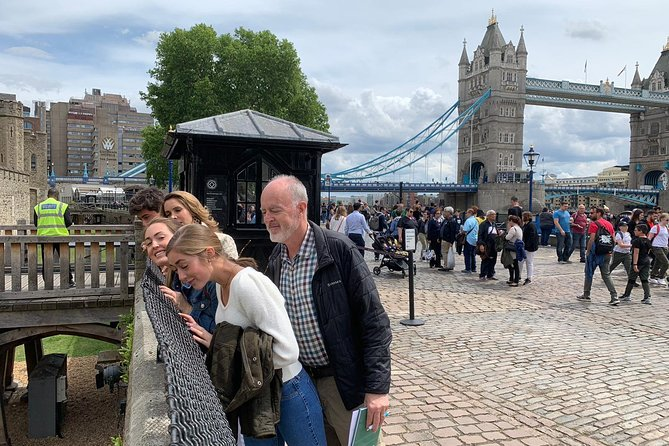 Kid-Friendly Best of London Walking tour with River Trip along the Thames