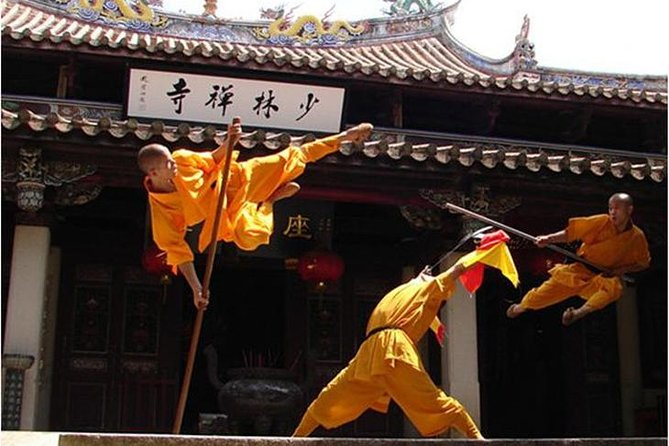 Private day tour to the famous Shaolin temple, Erqi square with Lunch&guide