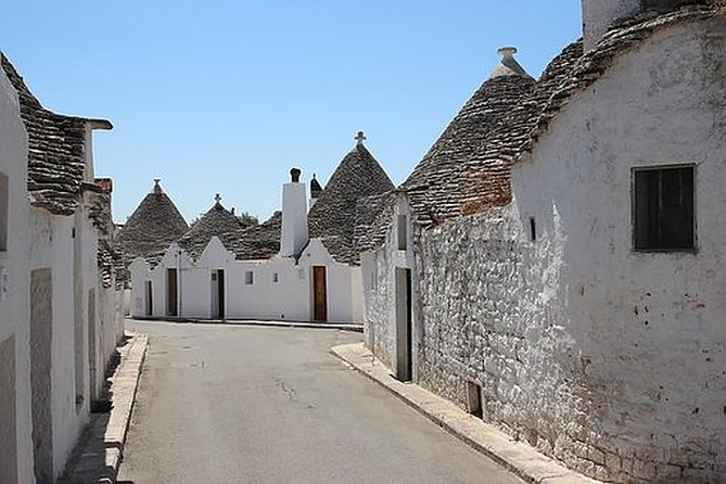 The Best of Alberobello Walking Tour and Rosolio Tasting