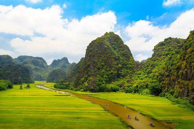 Ninh Binh Tour : Hoa Lu - Tam Coc - Mua Cave One Day Deluxe