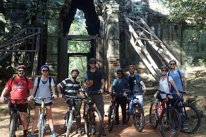Bayon's Golden Hour (Half Day Cycling Tour)