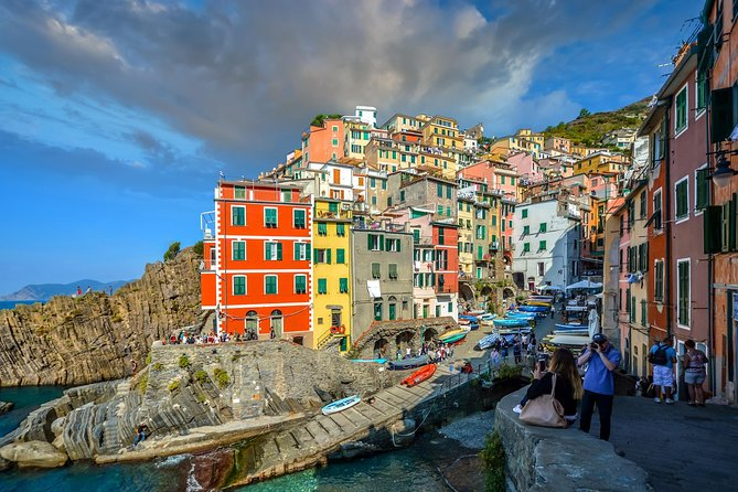 Cinque Terre: Full-Day Private Tour with Wine Tasting
