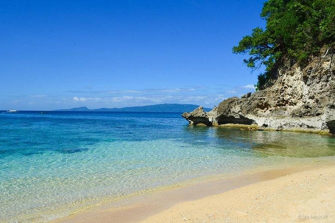 PUERTO GALERA TOUR A : Island Hopping,Snorkeling & Sightseeing