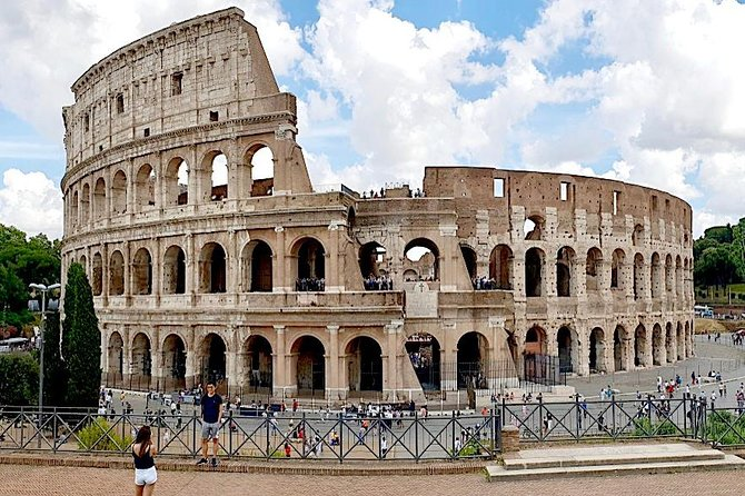 Colosseum Official Guided Tour with Skip The Line Access