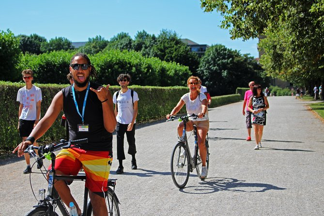 Munich Super Saver: Small-Group Bike Tour plus Bavarian Beer and Food Evening