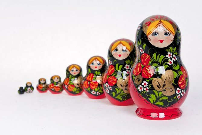 Private master-class of Russian doll Matryoshka painting