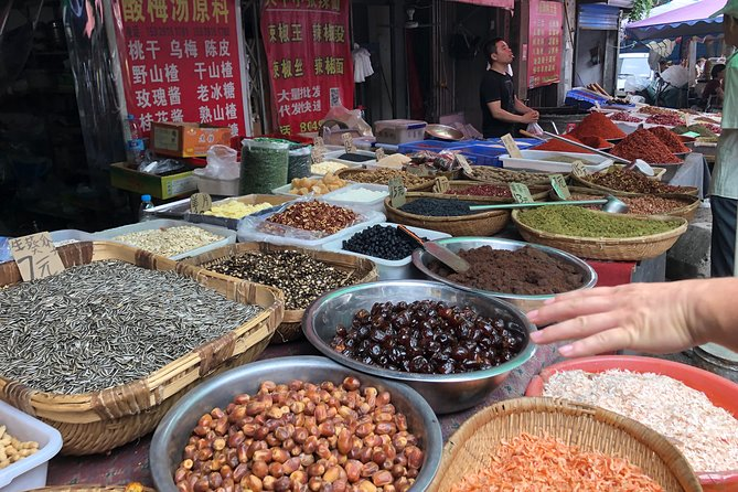 Half-day Xi'an Biang Biang Noodles Cooking Class with Spice Market Visit