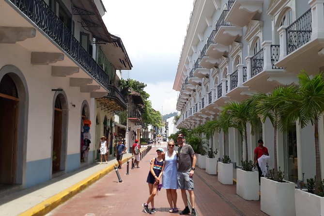 Private Tour of the Historic Center of Panama and Canal