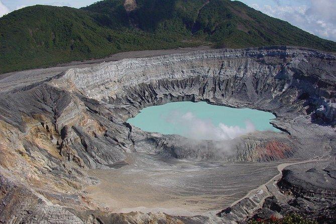 Half- Day Trip to Doka Estate & Poas Volcano from San Jose