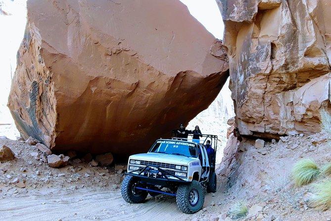 Moab Scenic Off-Road Petroglyph Adventure