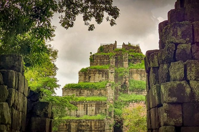 1 Day Tour to Koh Ker and Beng Mealea temple