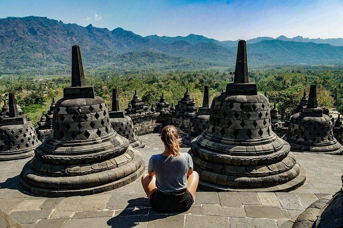 Private Yogyakarta 4 Temples Tour with English / Dutch / Italian / French Guide