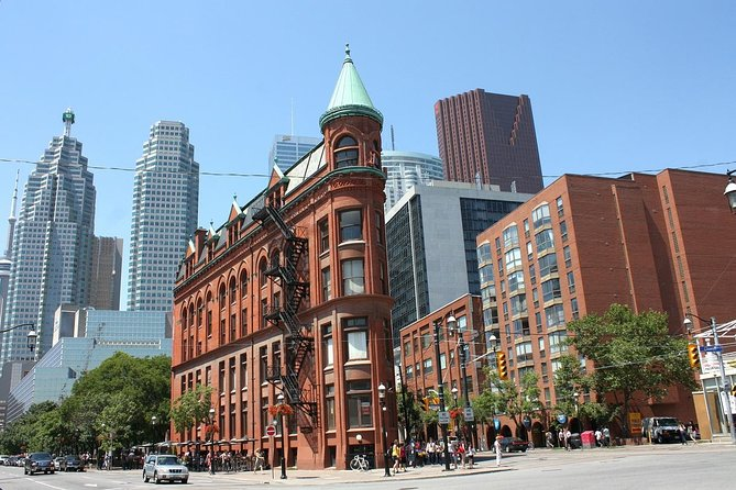 Toronto Greatest Hits: See the city's top attractions on this walking audio tour