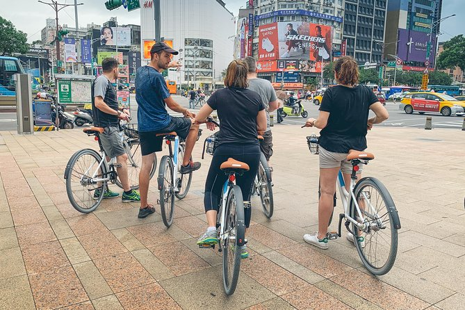 4-Hour Morning Cycling Tour in Taipei