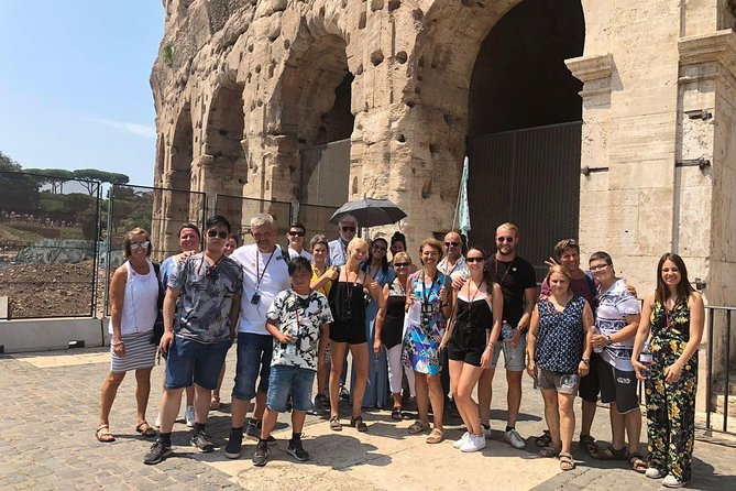 Small Group Colosseum, Palatine Hill and Roman Forum Guided Tour