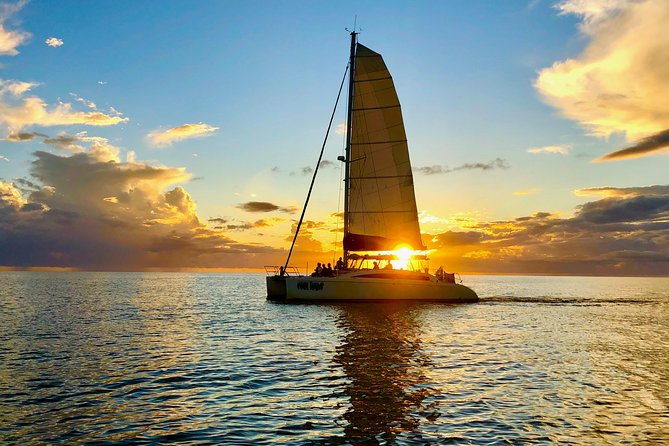 Sightseeing and Sunset Catamaran Sailing Excursion