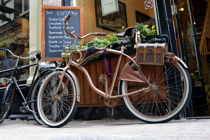 Private bike tour through Amsterdam