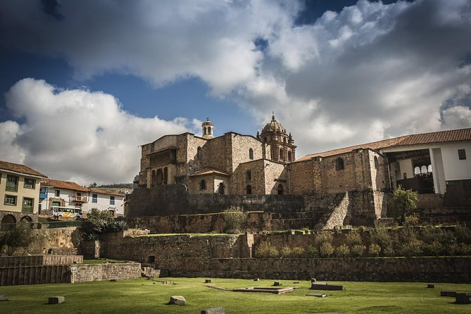 Cusco: Half Day Walking City Tour with entrances