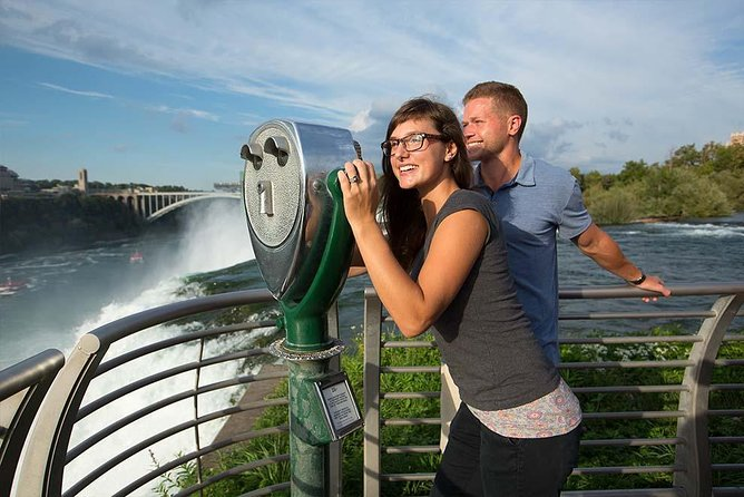 Best of Niagara Falls, USA Tour + Helicopter Ride and Lunch