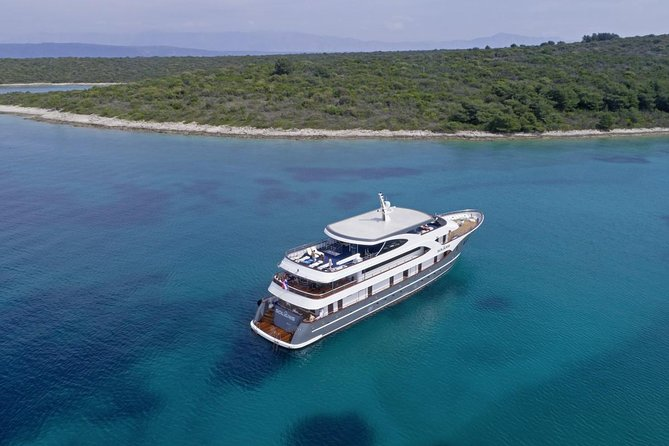 4 days deluxe one way cruise from Split to Dubrovnik all inclusive