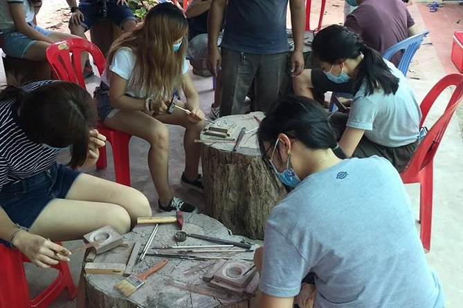 Wood or Stone Carving Experience: Appreciate the Angkor Carving