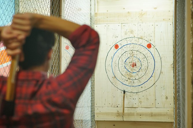 Exclusive Axe Throwing Target (1h-up to 4 people)