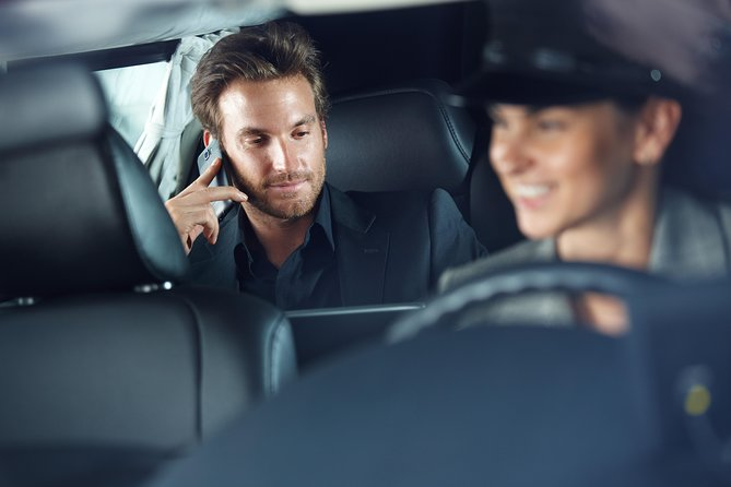 Car Service - One Way Xfer to/from Your Hotel and Dulles Int Airport - IAD