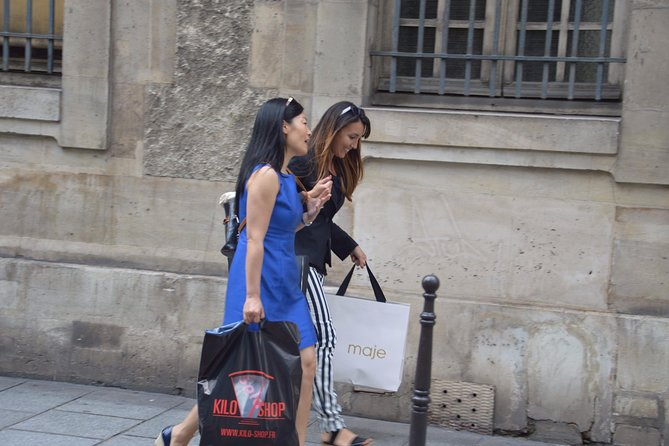 Private Shopping Tour for Women with a Personal Shopper in Paris