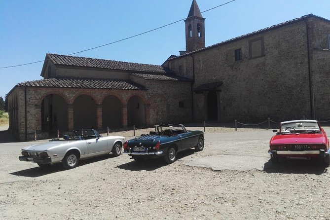 Vintage Car Tour Experience in Tuscany