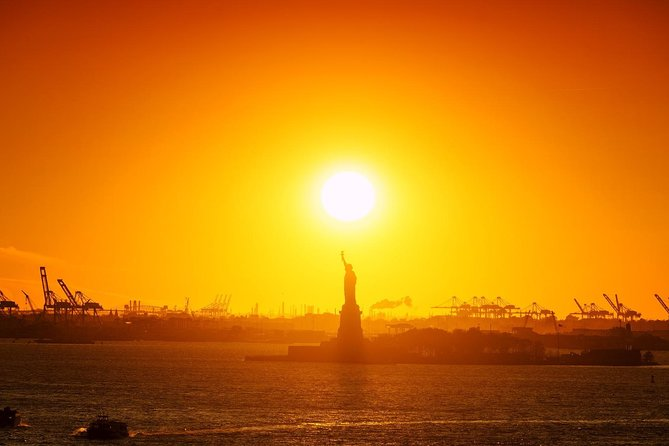 Easter Sunday Dinner Cruise by Statue of Liberty with Buffet Dancing
