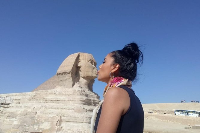 Hurghada hotel : Day Trip to Giza pyramids and Cairo museum by vehicle