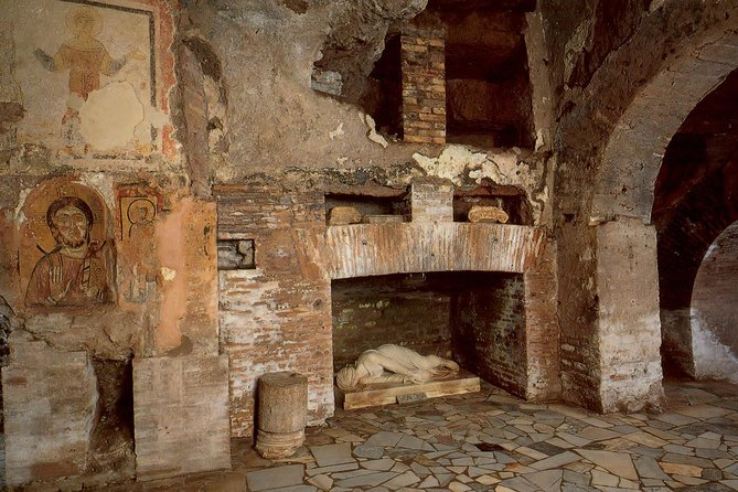 Guided tour of the Catacombs with tranfer from and to the hotel