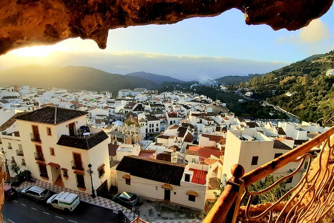Ojen private walking tour by Tours in Malaga