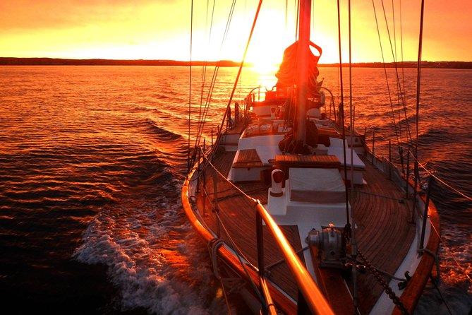 Lisbon - Romantic Sunset Cruise on a Vintage Sailboat